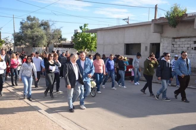 Caminata de Bosetti por el barrio 4 de Junio