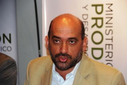 Ministro de Producción y Desarrollo Económico Javier Tineo