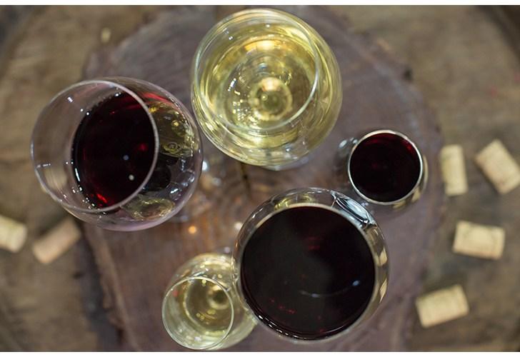 Vino_tinto_vino_blanco